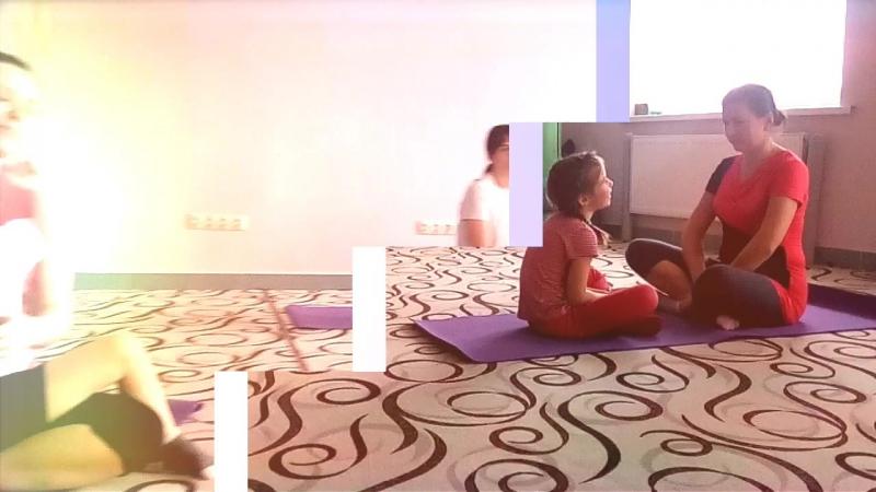 Парная йога с детьми