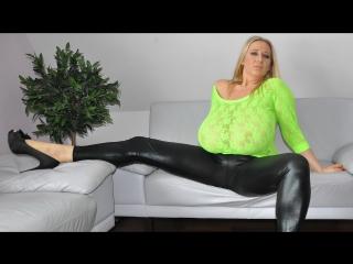 Nackt turquoise abbi secraa Milena velba