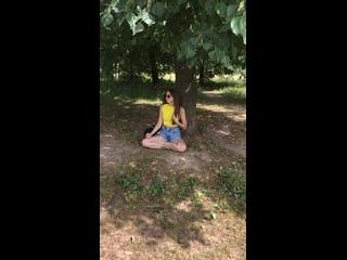Лиза Заикина медитирует