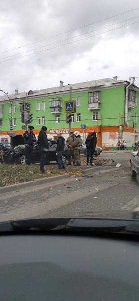 Авария на Калинина и Шестакова, все живы, но е.нул...