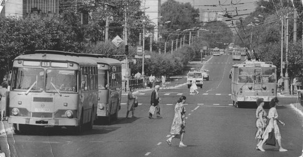 📸Фото из прошлого. ❓Узнали улицу?  #berezniki #ber...