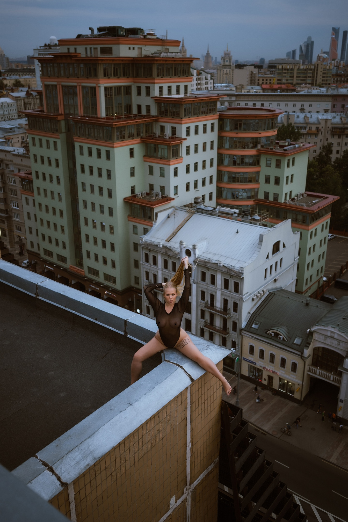 https://instagram.com/youngfolks_ru