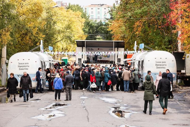 Мобильная ярмарка «Наша рыба» посетила Мурманск