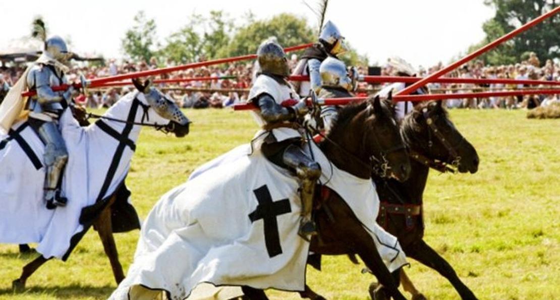Рыцари на турнире